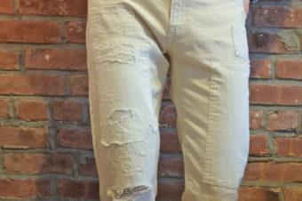 スィングスだけの白いダメージジーンズ